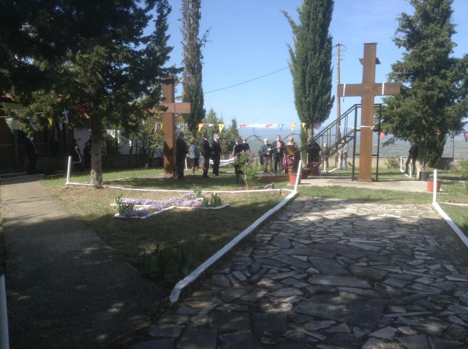 Με μέτρα ασφαλείας και ελάχιστους πιστούς πραγματοποιήθηκε η καθιερωμένη αποκαθήλωση του Χριστού στο Δρυόβουνο.