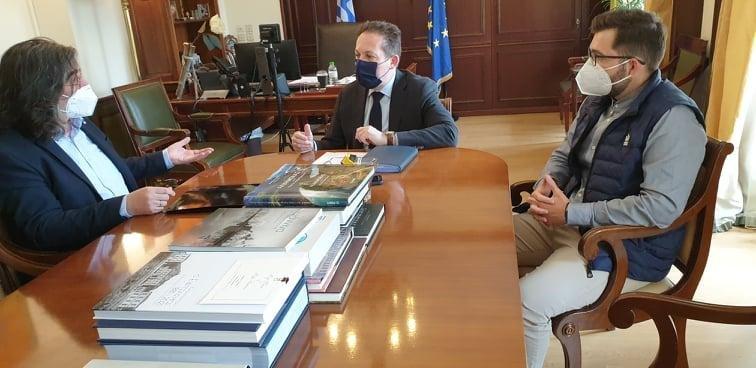 Συνάντηση του Δημάρχου Σερβίων με τον Αν. Υπουργό Εσωτερικών με βασικό θέμα το πλαφόν το οποίο τέθηκε στους Δήμους σχετικά με το πρόγραμμα «Αντώνης Τρίτσης»