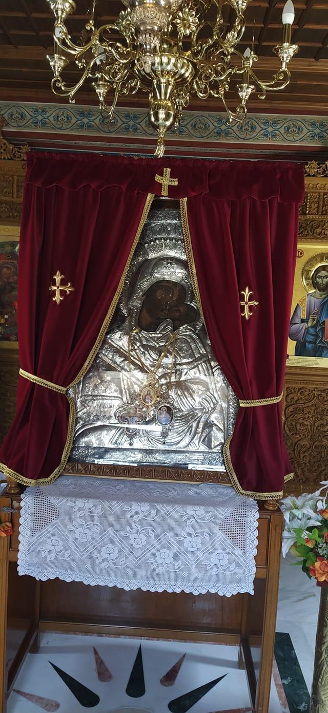 Κυριακή του Θωμά, γινόταν κάθε χρόνο λιτανεία και περιφορά της Παναγίας Ζιδανου στην πολη της Κοζάνης. Κάτι που δεν θα γίνει φέτος!