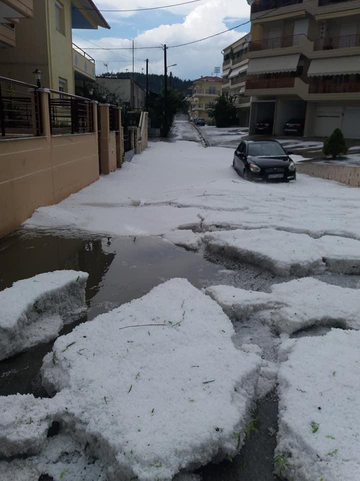 Από την σημερινή χαλαζόπτωση στην πόλη της Κοζάνης