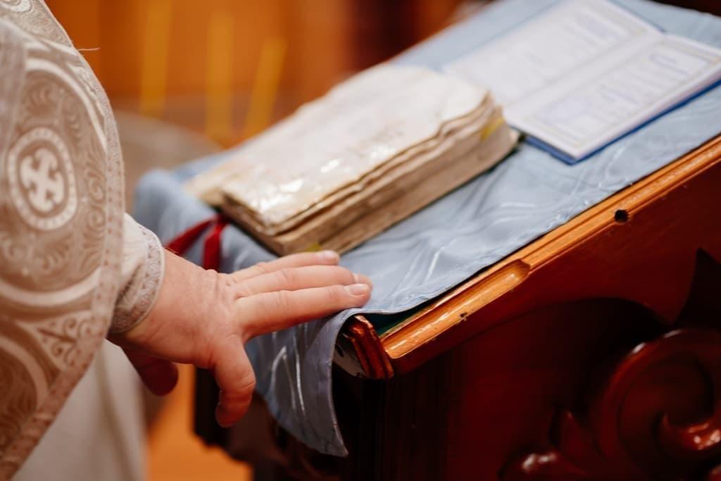 Ξύλινα αναλόγια επιτραπέζια για την εκκλησία