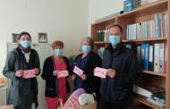 Τα παιδάκια του ΔΠΣ Άρδασσας δώρησαν μαξιλαράκια για γυναίκες με μαστεκτομή δωρεά της A&B Creating στην Ογκολογική πτέρυγα του ΓΝ Μποδοσάκειο